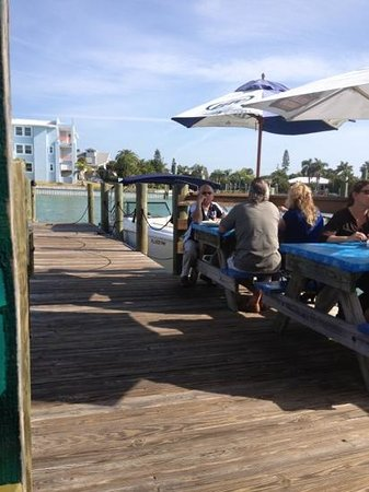 Sea Critters Cafe: outdoor dining room