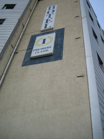 B&B Hotel Nimes Centre: vista hotel premiere classe rue de la repubblique