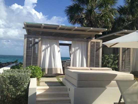 Four Seasons Resort and Residences Anguilla : cabanas