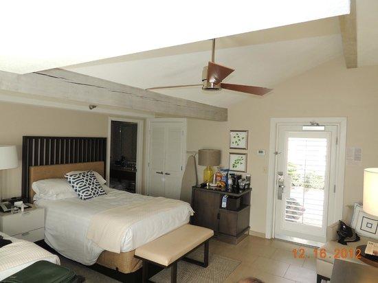 Grand Hyatt Tampa Bay: Double Casita Looking In From Patio, Refrigerator, Coffee  Maker
