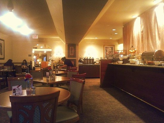 Country Inn & Suites By Carlson, Portland Airport: Breakfast area