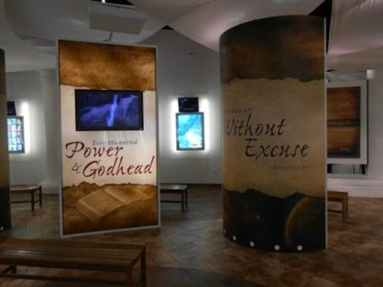 Creation Museum: Museum displays