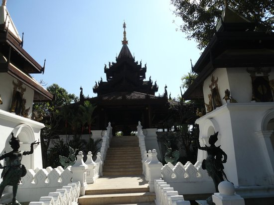 The Dhara Dhevi Chiang Mai: Front Check in