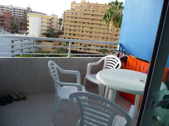 Tamaragua Apartments: spacious balcony