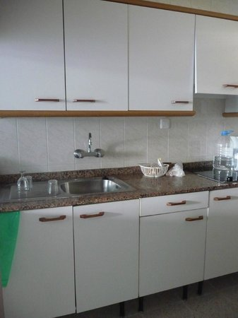 Tamaragua Apartments: kitchen
