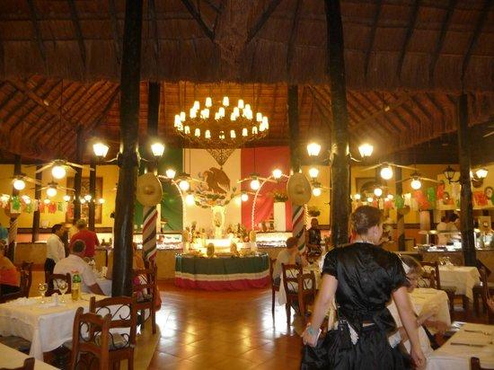 Hotel Riu Lupita: Restaurant