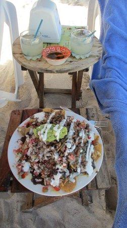 El Capitan Mono Beach & Restaurant