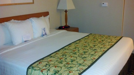 Fairfield Inn & Suites Cordele: Bed