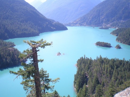 North Cascades Highway: Diablo lake