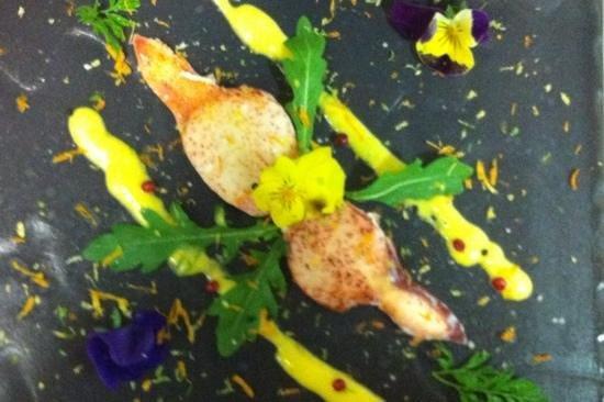 Laksøn : Pince de Homard coulis de mangue et d'agrumes