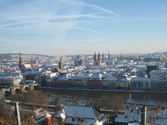 View of the old town from marienberg picture of altstadt for Hotel wurzburg altstadt