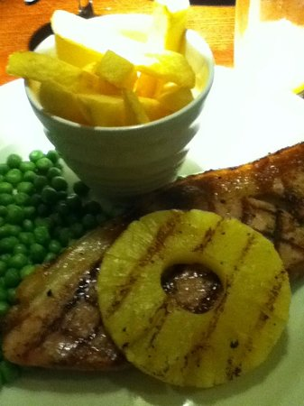 Premier Inn Swindon West (M4, J16) Hotel: Gammon steak, fries, peas and pineapple ring