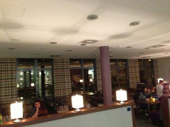 Holiday Inn Express Baden-Baden: Breakfast cum lounge