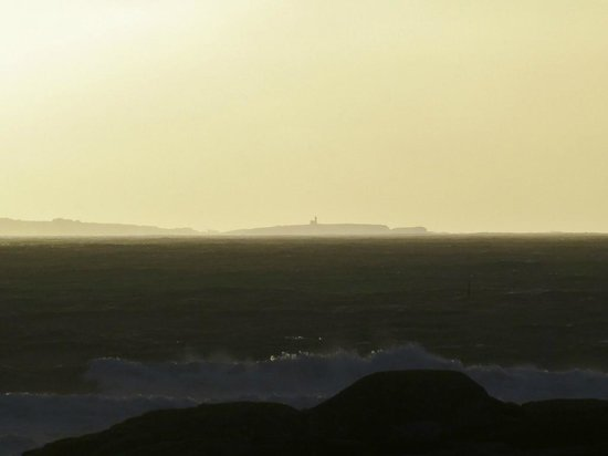 Sofitel Quiberon Thalassa Sea & Spa : Blick zur Belle Ile im Sonnenuntergang Zi.222