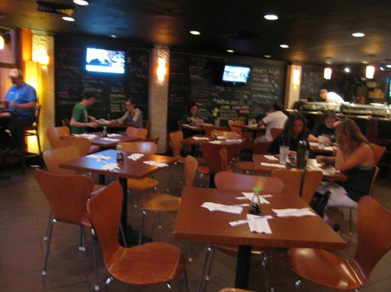 Jasmine Cafe & Lounge: Inside
