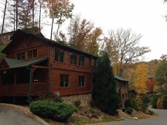 Gatlinburg Falls Resort: Cabin view