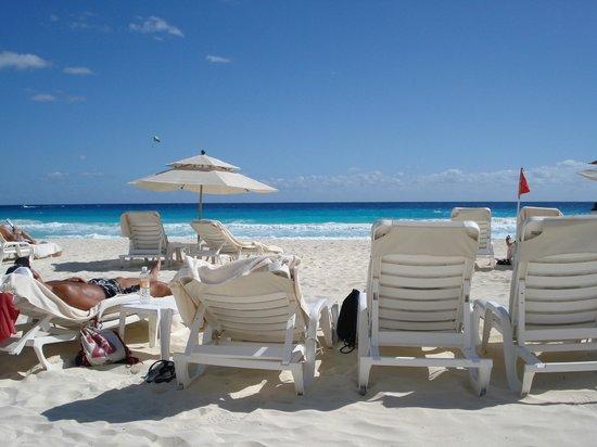 Beach Service Brings You Your Drinks Picture Of Live Aqua Beach Resort Cancun Cancun
