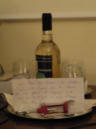 Hotel General: Le vin de l'hôtel en cadeau
