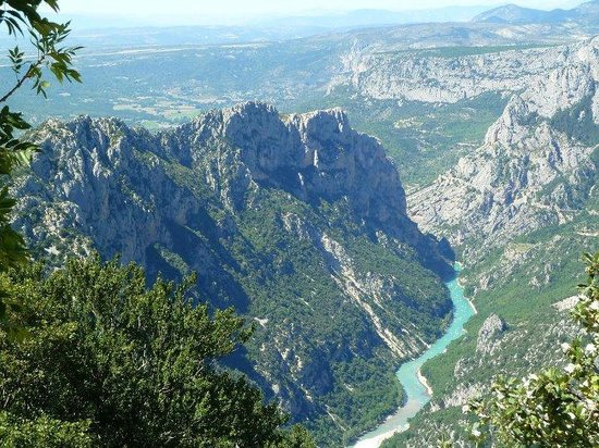 Gorges de l'Ardeche : Ardeche from the road