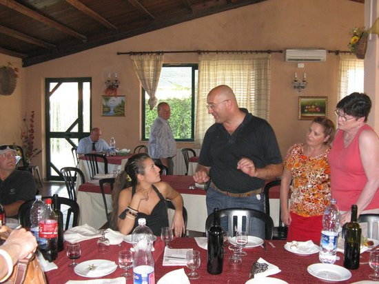 Tour of Sicily - Day Tours: Lunch in the countryside around Valguarnera