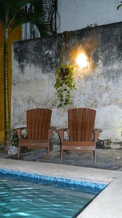 Luz En Yucatan: Our favorite spot by the pool