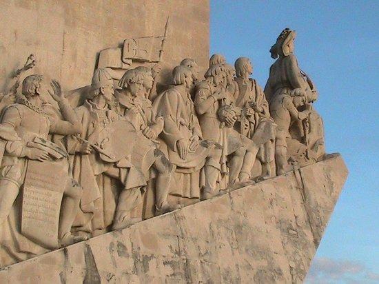 Lisbon Riders : Monumento de descobrimento a Belem