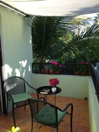 Casa Verde Inn: upstairs terrace