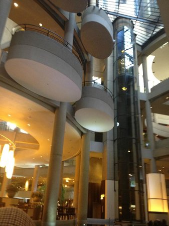 The Westin Bonaventure Hotel & Suites, Los Angeles: Crazy, fun lobby architecture and glass elevators.