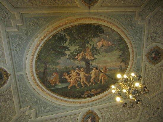 Hotel Bretagna: Il soffitto affrescato