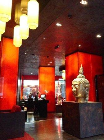 Buddha-Bar Hotel Budapest Klotild Palace: lobby