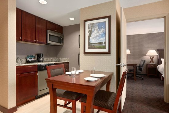 Homewood Suites by Hilton Atlantic City/Egg Harbor Township: Try out your in-room kitchen at the Homewood Suites Atlantic City/Egg Harbor Township, NJ.