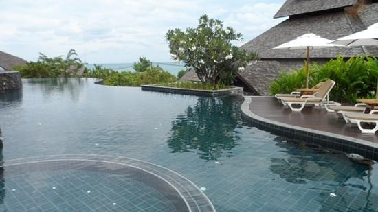 โนราห์บุรี รีสอร์ท แอนด์ สปา: pool
