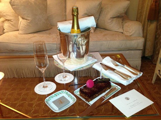 Four Seasons Hotel George V Paris: birthday treat