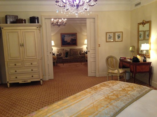 Four Seasons Hotel George V Paris: room