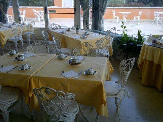 Villa Paradiso dell'Etna: Sala colazione