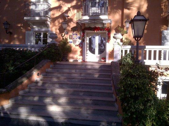 Villa Paradiso dell'Etna: Ingresso