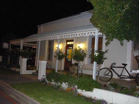 Centre-Ville Guest House : le soir