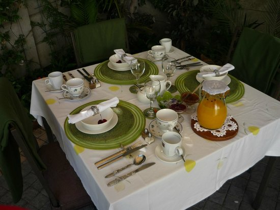 ‪‪Centre-Ville Guest House‬: la table de petit dej