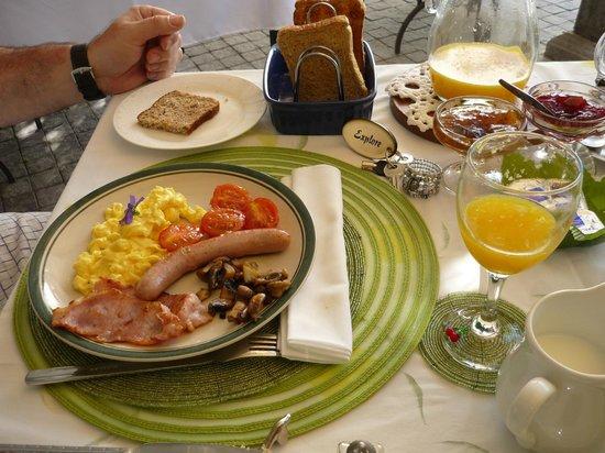 Centre-Ville Guest House: le petit dejeuné
