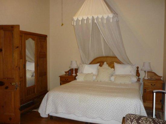Centre-Ville Guest House: la chambre au red chaussée