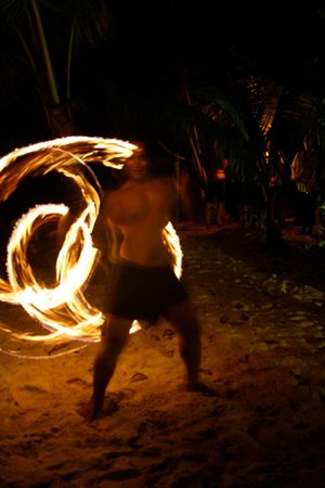 ‪‪Leleuvia Island Resort‬: Fire Dancers