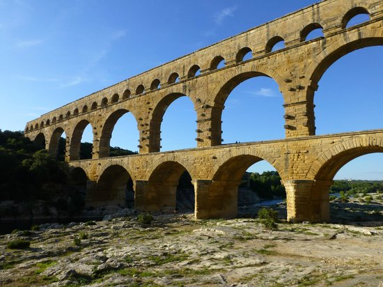 Vers-Pont-du-Gard, Frankreich:                                     Pont Du Gard