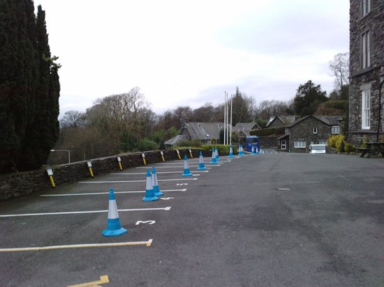 The Windermere Hotel: Parking