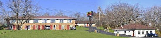 Canton, IL : hotel view