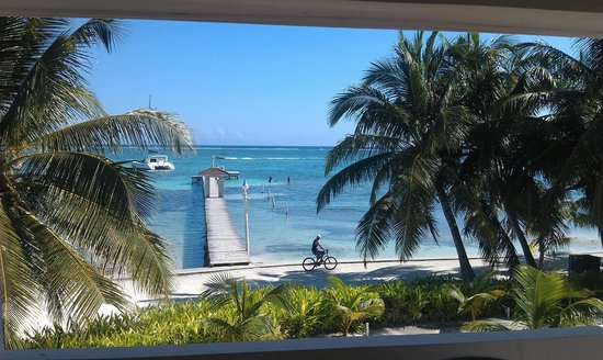Belize Tradewinds Paradise Villas: View off terrace