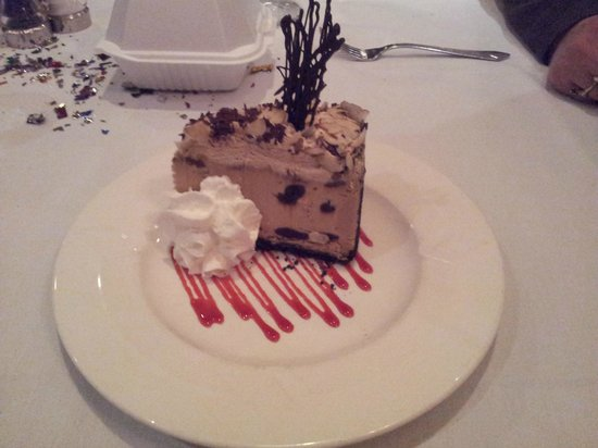 Joseph's Fine Dining : Dessert...Mud Pie...too much to eat alone...i recommend a split.