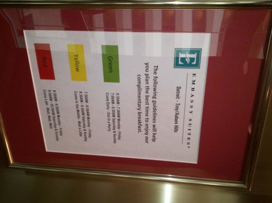 Embassy Suites by Hilton Detroit - Troy/Auburn Hills: Sign to encourage people to eat early