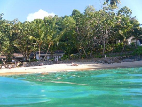 Sunset Beach Hotel: camere e spiaggia viste dal mare