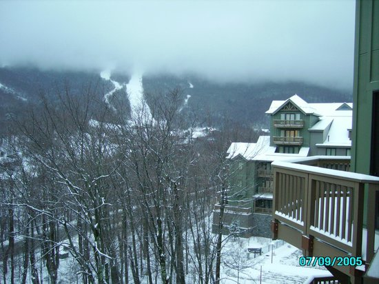 Stowe Mountain Lodge: 5th floor view of Mt Mansfield