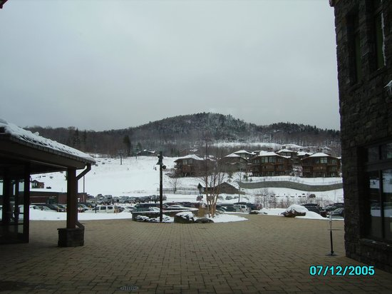 Stowe Mountain Lodge: View of Spruce Peak